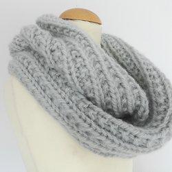 tricoter une echarpe qui tourne